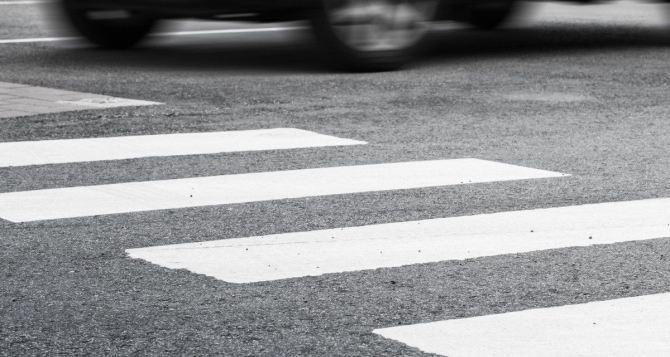 В Луганске пьяный водитель сбил ребенка на пешеходном переходе