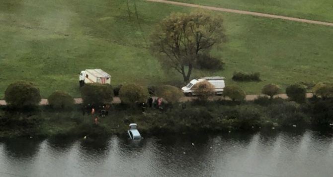 Угнанный из Луганска легковой автомобиль неожиданно «всплыл» в Ровеньках