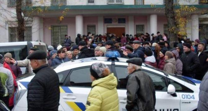 Всех вынужденных переселенцев, кто сейчас проживает в Северодонецке просят срочно заполнить анкету