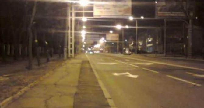 В Донецке решили серьезно поэкспериментировать с комендантским часом.