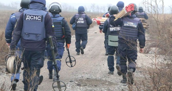 В Петровском начался демонтаж фортификационных сооружений. Разминирование уже закончили