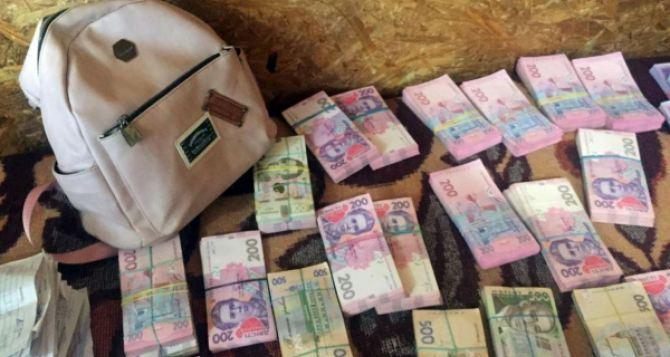 Более, чем полмиллиона гривен конфисковали сегодня на КПВВ «Станица Луганская»