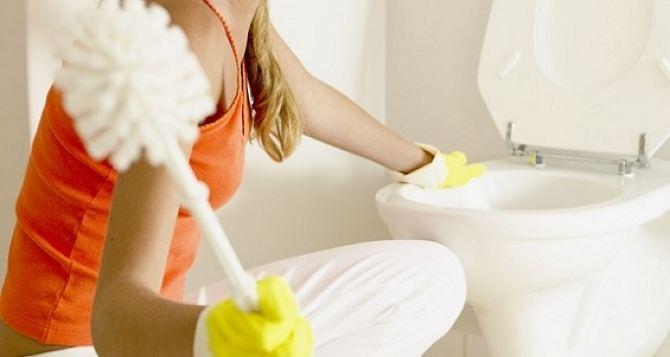 Прочистка унитаза: почему стоит обратится в профессиональный сервис