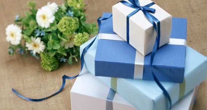 Из чего делают подарочные коробки