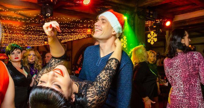 Во сколько обойдется празднование Нового года в луганских ресторанах или кафе