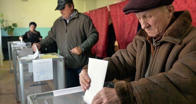 У Зеленского планируют выборы в Луганске и Донецке в один день с всеукраинскими местными выборами в октябре 2020 года