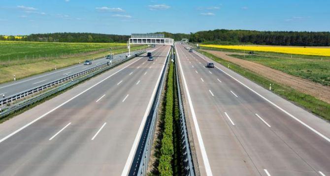 На ремонт дорог Луганщины выделили рекордные 3 млрд
