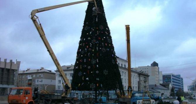 В Луганске проезд по Театральной площади откроют 19января