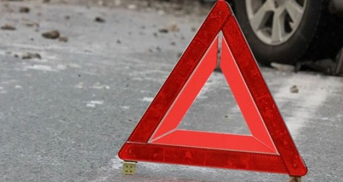 В Луганске «копейка» столкнулась с «Газелью». Двое погибших, двое пострадавших