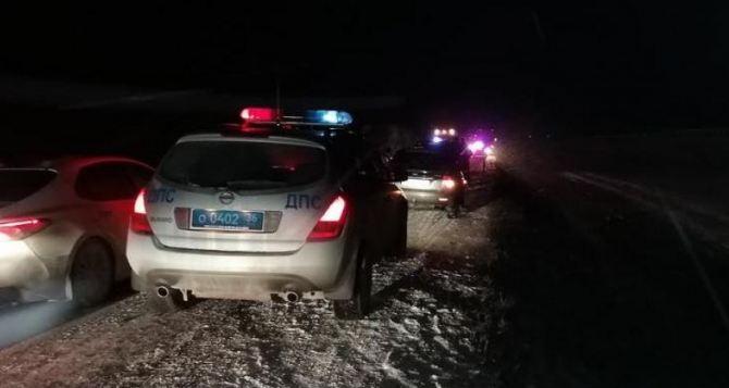 Под Воронежом автобус из Луганска попал в ДТП. Двое погибших, пятеро пострадавших. Фото