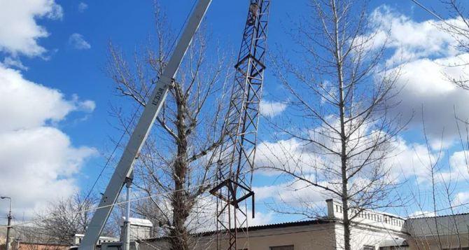 Из-за сильного ветра в Лутугино могло пострадать здание автовокзала