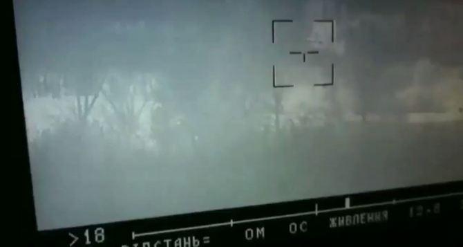 Гражданский автомобиль под Славяносербском был расстрелян из противотанкового ракетного комплекса. Один мирный житель погиб, один ранен