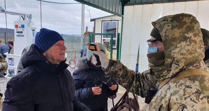 На КПВВ в Луганской области коронавирус не обнаружен
