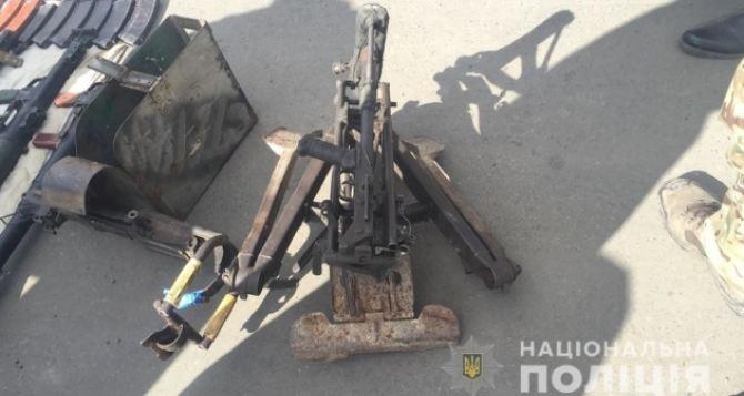 Под Лисичанском «волонтеры-благотворители» задержаны с автобусом полным оружия