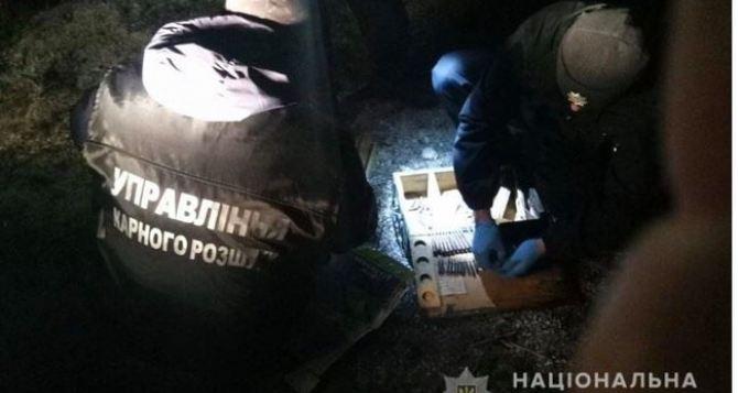Житель Лисичанска, стрелявший 15марта в продавщицу в магазине, «сдал» правоохранителям свой схрон с оружием. ФОТО