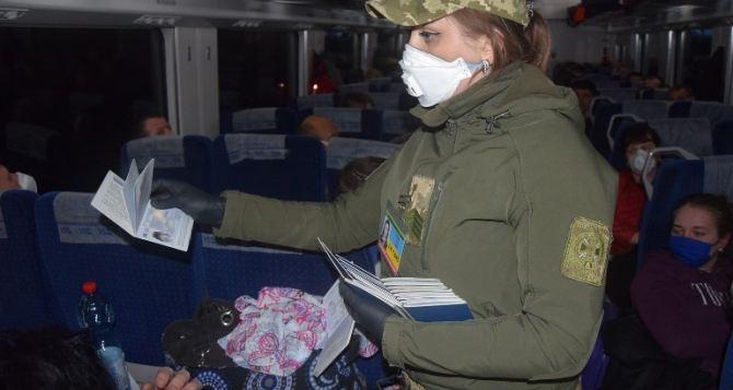 Интерсити-эвакуационный: из Польши прибывают поезда с украинцами
