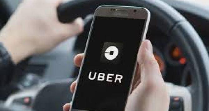 Uber будет бесплатно доставлять в больницы медицинских работников