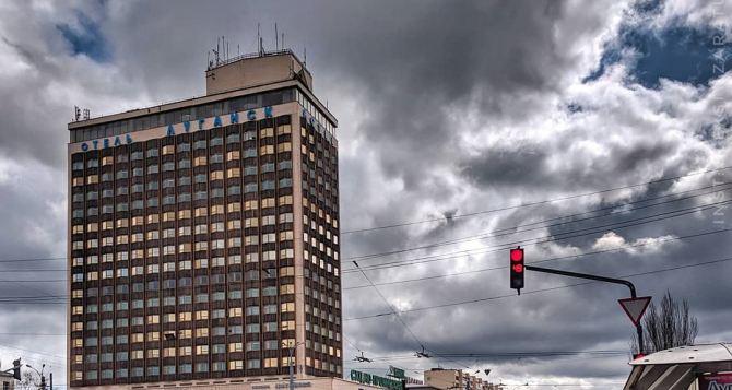 Завтра в Луганске облачно, штормовые порывы ветра, температура днем до 4 градусов тепла