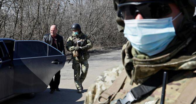 В зоне конфликта на Донбассе 172 военнослужащих Украины находятся на изоляции из-за коронавируса