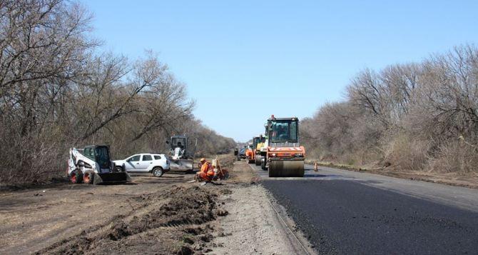 Скоро начнут ремонт дороги между Станицей Луганской и Северодонецком,— Служба автодорог. ФОТО
