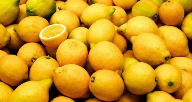 В Луганск доставили крупную партию лимонов и имбиря по поручению правительства