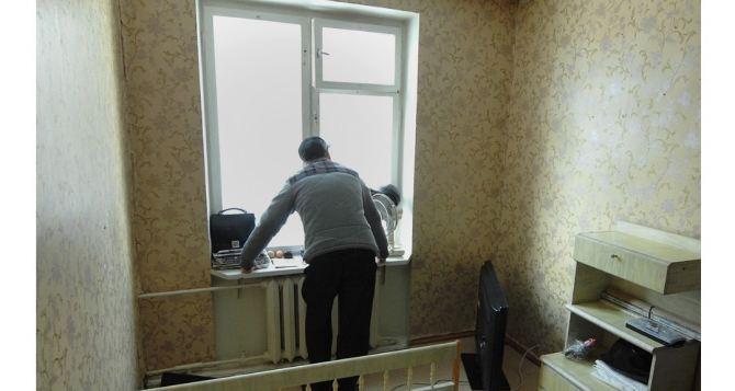 В Луганске заявили, что людей на обсервации стало меньше, но из России заехали еще почти 2 тыс. человек