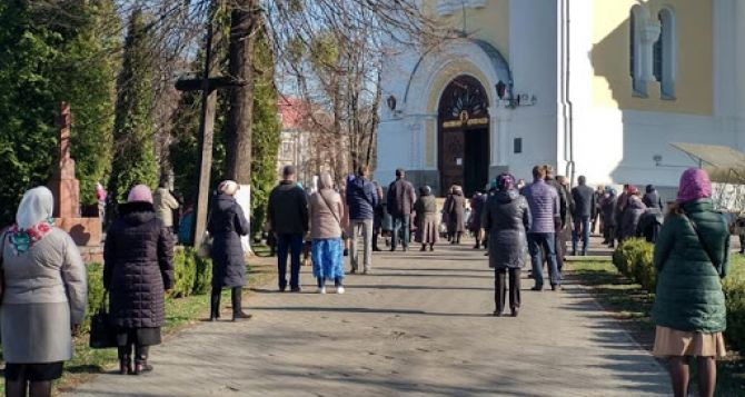В Луганске на Пасху не будут отменять комендантский час