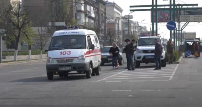 В центре Луганска ДТП с участием «скорой», пострадал пешеход. ФОТО. ВИДЕО