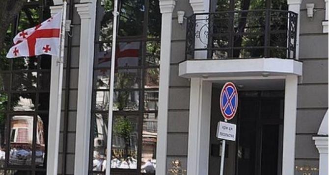 Грузия отозвала посла из Украины из-за Саакашвили— СМИ