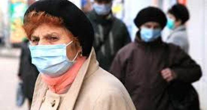 В Луганске обратились к людям старшего поколения: необходимо соблюдать изоляцию и вызывать врача на дом