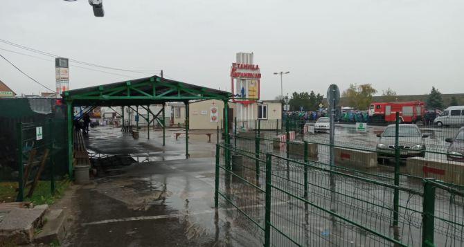 Открыть КПВВ просят народные депутаты из Донбасса у президента и командующего ООС