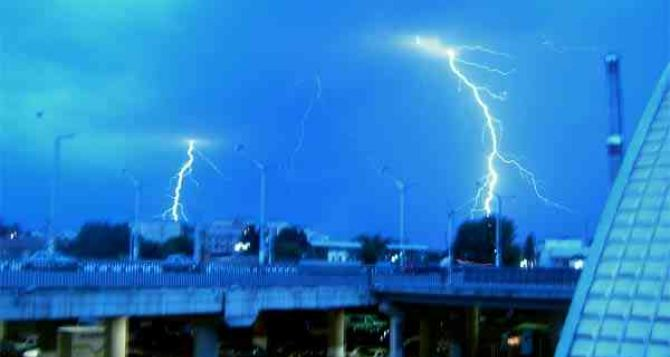 Сегодня в Луганске днем кратковременный дождь, гроза, град и 27 градусов тепла