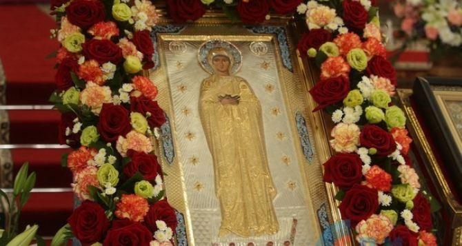 В Луганске два Архиерея провели службу в честь Луганской иконы Божией Матери