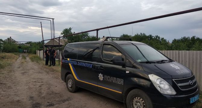 В Станице Луганской от взрыва гранаты погибла семейная пара. ФОТО