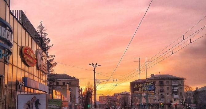 Завтра в Луганске до 28 градусов тепла, переменная облачность, днем возможна гроза