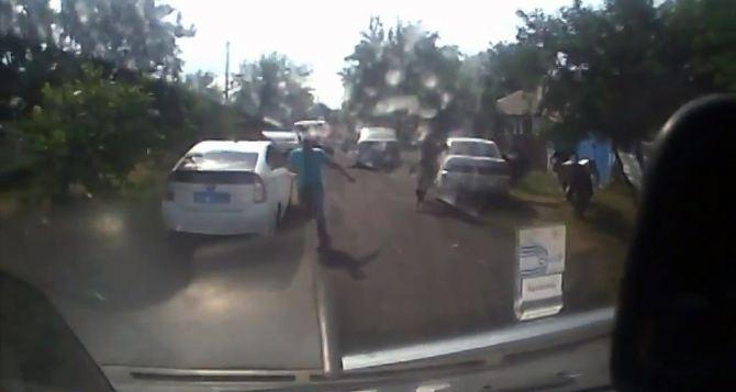 В Ровеньках при задержании преступника погибли двое сотрудников полиции (видео 18+)