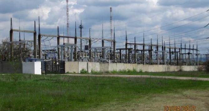 Восточные кварталы Луганска остались без электричества из-за аварии