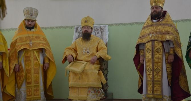 Епископ Беловодский Павел совершил богослужение в день Собора 12-ти апостолов