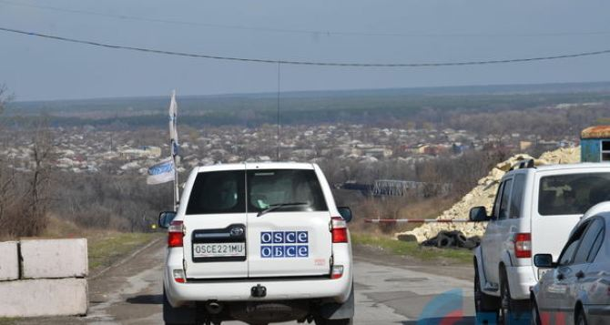 Перевозчики из Донецка предлагают доставлять людей на КПВВ «Станица Луганская»,— соцсети