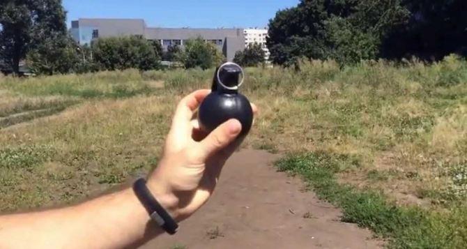 Бизнесмен из Новопскова обнаружил гранату в своем Ланосе