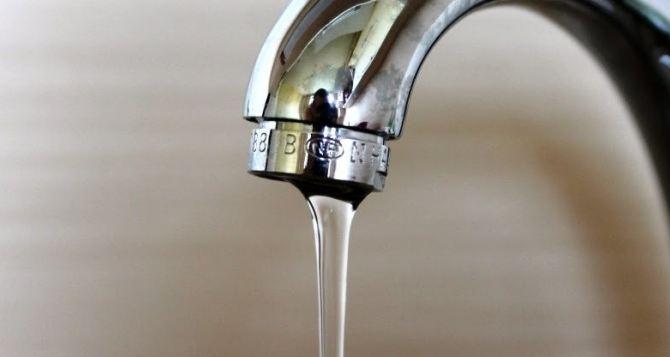 Подачу воды в центре Луганска планируют возобновить во второй половине дня