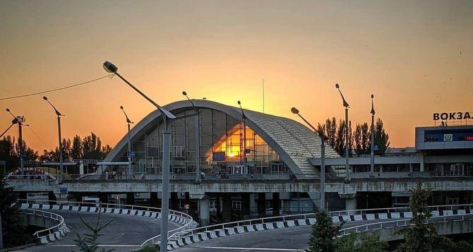 Луганская железная дорога назначила 4 новых пригородных поезда