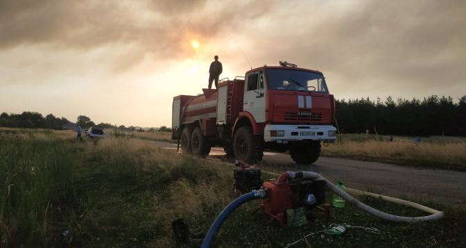 Два очага пожаров в Новоайдарском районе локализованы. Пожар у Станицы Луганской ликвидирован