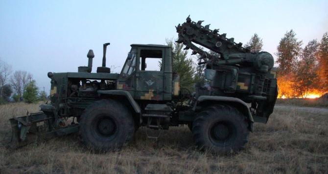 Вокруг села Лобачева сделали 12 защитных полос от пожара. Огонь тушат по периметру