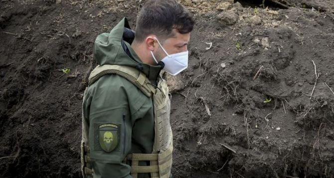 Зеленский прокомментировал обострение ситуации на Донбассе. И заявил, что не может всё рассказывать СМИ