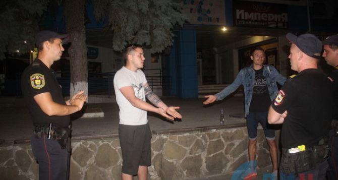 Более 300 жителей Луганска задержаны в августе за нарушение комендантского часа. ФОТО