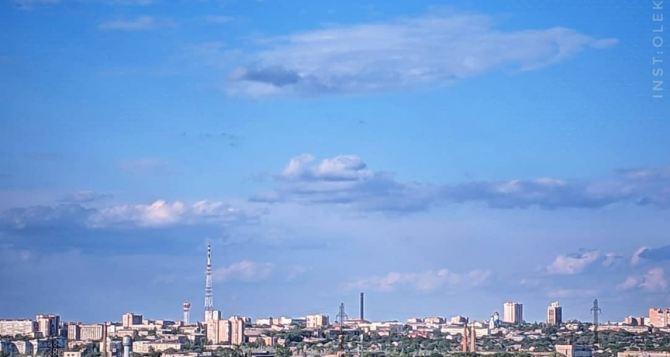 В Луганске сегодня днем 29 градусов тепла, малооблачно
