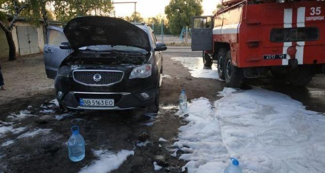 В Северодонецке на рассвете сожгли 9 автомобилей в центре города. ФОТО