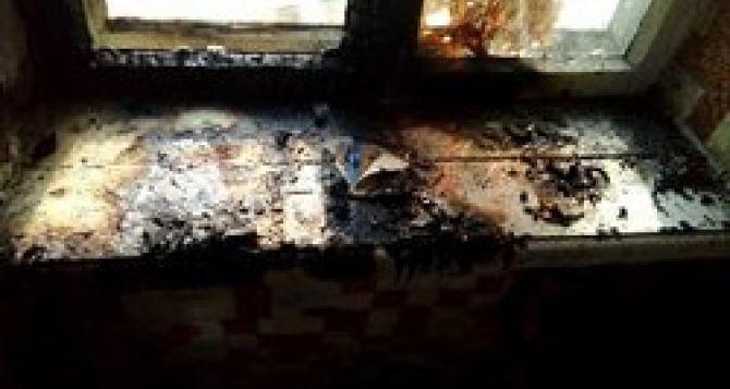 В Антраците 14-летний пацан спас своего трехлетнего брата из горящего дома