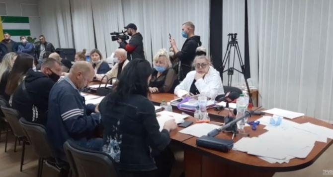 Обнулить процесс регистрации кандидатов и начать заново: в Рубежном прекратили полномочия ТИК